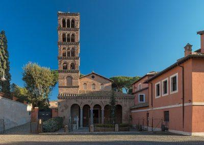 Basilica San Giovanni a Porta Latina esterno