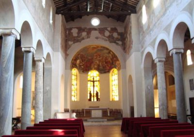 Basilica San Giovanni a Porta Latina interno